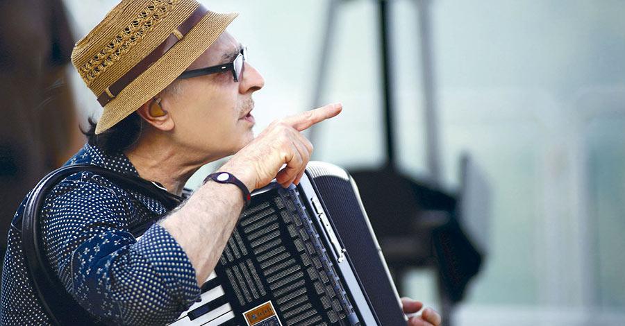 Eduardo De Crescenzo in Essenze jazz