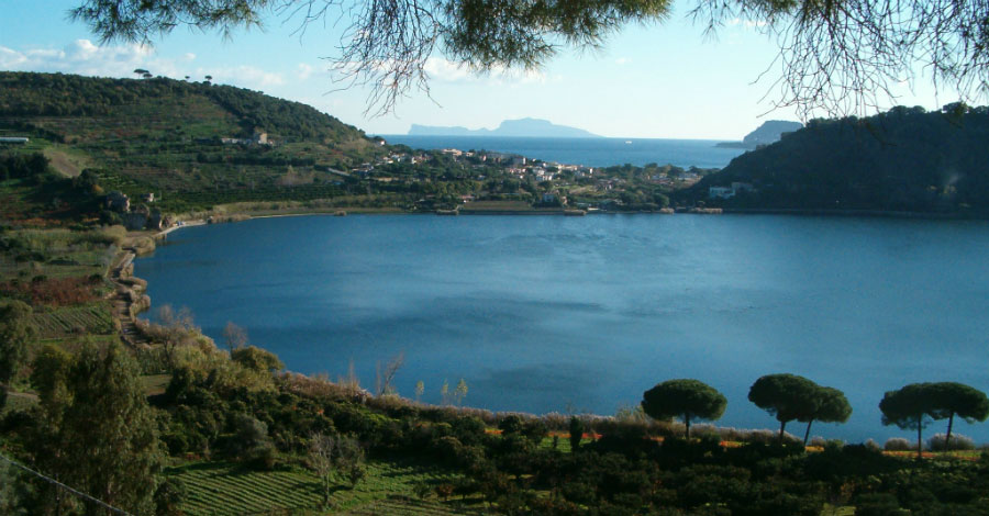Naples Lake Avernus